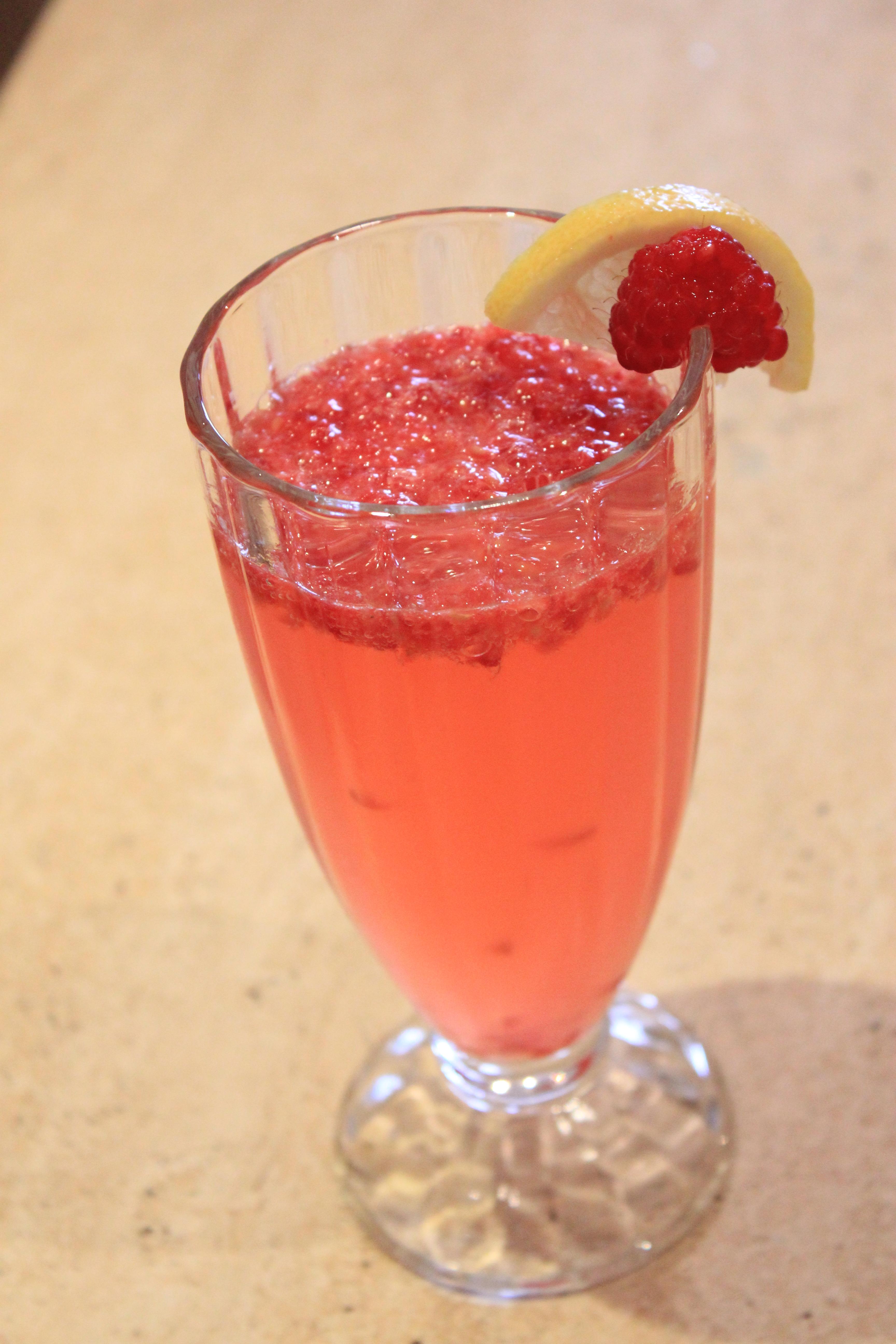 Fresh Raspberry Lemonade – Bandhna Kaur